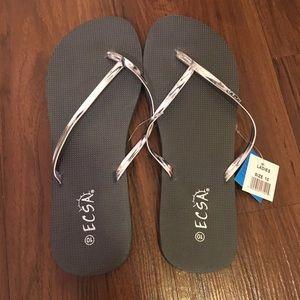d465013d77791f ecsa Shoes - Ecsa Flip Flops NWT